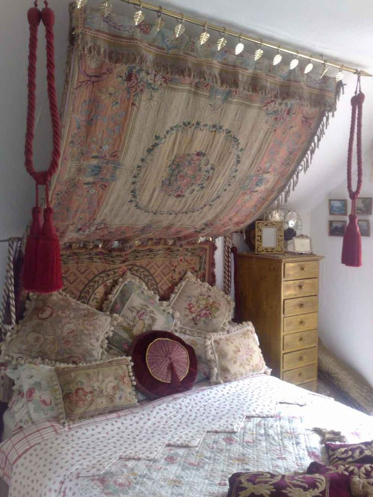 tapestry bedroom ideas tapestry canopy in guest room my funky home 13433