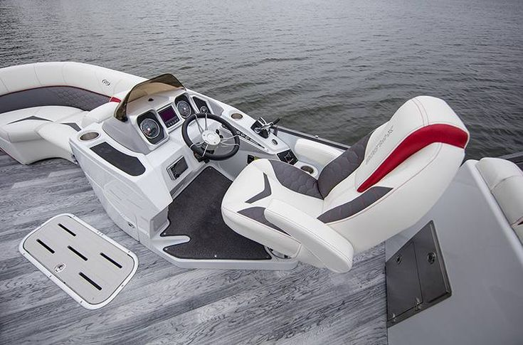 2018 Manitou 25 X-Plode SHP 575 Dual Engine for sale in Nashville, TN. The Boat Locker Nashville, TN (615) 834-2461
