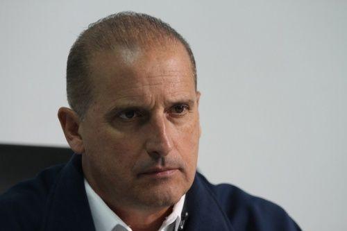 Onyx Lorenzoni entra com queixa-crime no STF contra Renan por calúnia