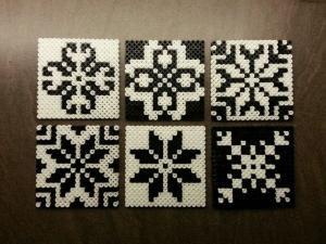 Hama beads, coasters or tiles - Norwegian inspired patterns. Hama perler, glassbrikker / fliser. Norsk inspirert mønster. Made by Montoya by taylor