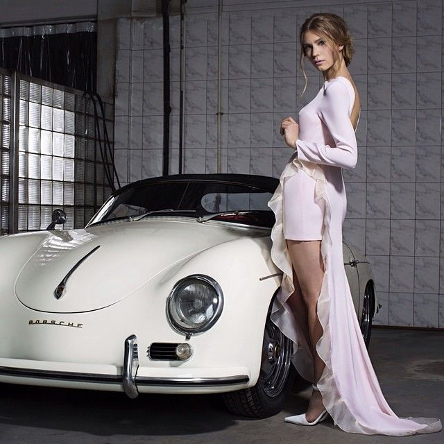automobile and traditional porsche customer The auto industry's future is much brighter than wall street thinks  status quo , the global auto industry could prove resilient, and reward customers  barron's  has noted that porsche alone could be worth nearly half the.