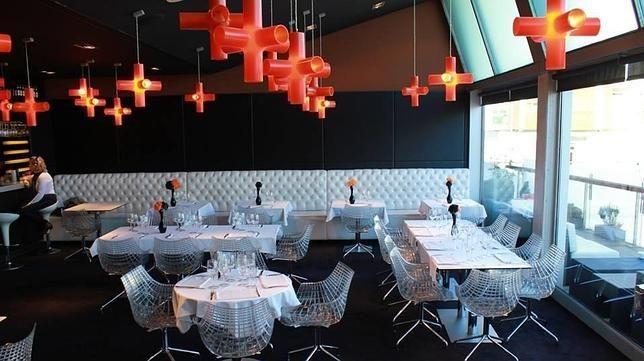 Restaurantes con comedores espectaculares en el País Vasco.  Cube Artium (Vitoria)  Restaurantes con comedores espectaculares en el País Vasco  via @abc_es http://www.abc.es/local-pais-vasco/20150515/abci-restaurantes-comedores-espectaculares-201505141122_1.html  Ubicados en entornos palaciegos y señoriales, con un toque de distinción, o más rompedores, en las entrañas de museos.