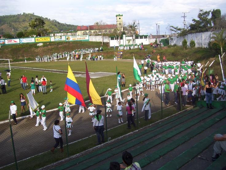 80 años I.E. Isidro Parra Libano Tolima - 2012