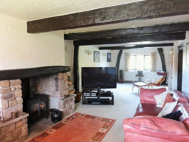 Church Road, Tarleton - lovely traditional features...low ceilings, log burner & wooden beams
