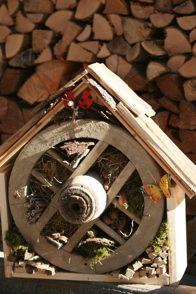 Hôtel à insectes - camping  La Cascade