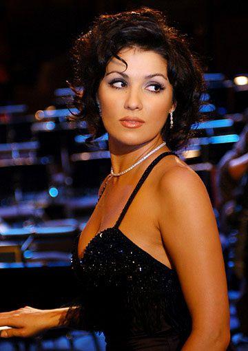 Anna Netrebko at the Echo Awards in Munich - 2005   Photograph: © Christoph Rüttger