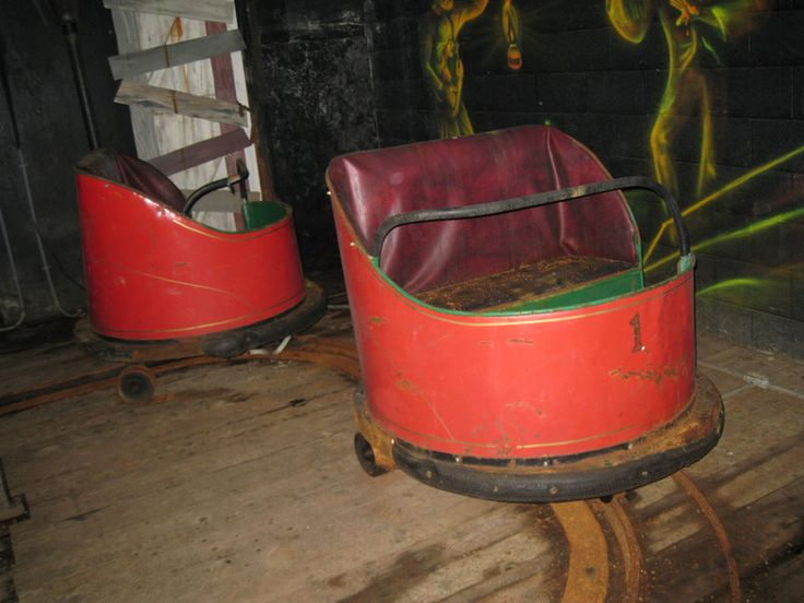 I want to restore this for my living room!  :): Abandoned Amusement, Pretzels Cars, Grove Amusement, Amusement Parks Riding, Amusement Parks Plac, Parks Review, Parks 2009, Amusement Riding, Amusement Parks Midatlantic