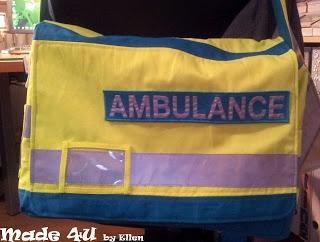 Tas gemaakt voor een collega van de ambulancedienst. Gemaakt van oude werkkleding.