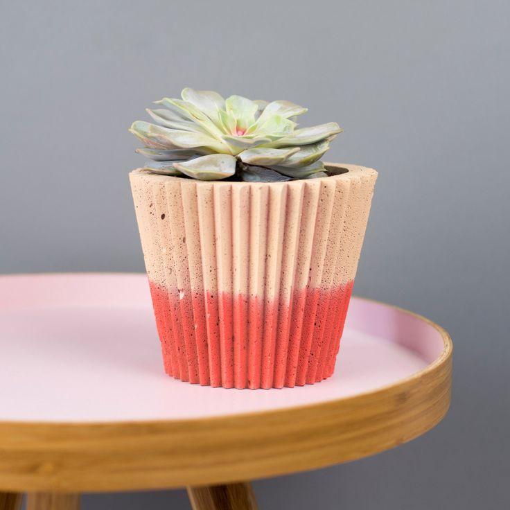 Dip Dye Crinkle Concrete Planter by Bellsandwhistlesmake on Etsy https://www.etsy.com/uk/listing/399158413/dip-dye-crinkle-concrete-planter
