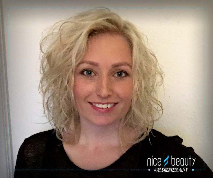 Vi har lavet den ultimative guide til krøllet hår. Du kan selv vælge imellem bløde naturlige krøller, holdbare krøller og krøller med stylere!