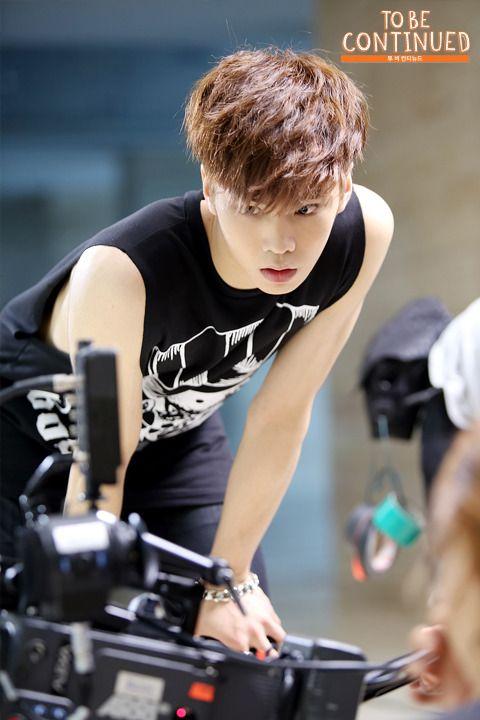 Rocky 라키 || Park Minhyuk 박민혁 || Astro || 1999 || 176cm || Main Dancer || Lead Rapper
