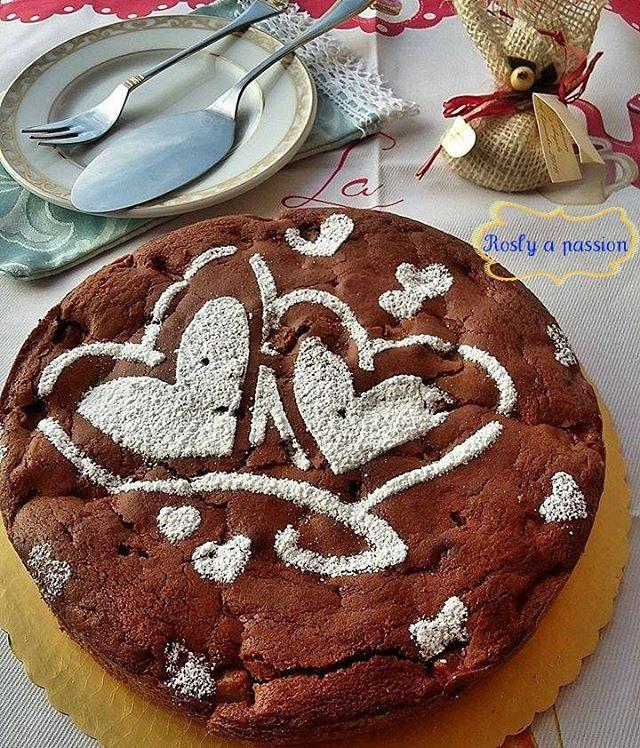 Buongiorno amici per la colazione e la merenda vi offro questa strepitosa TORTA CIOCCOLATO PERE E MASCARPONE 😍 QUI TROVERETE LA RICETTA CLICCANDO NEL LINK BLU ⤵ http://blog.giallozafferano.it/rosly/torta-pere-mascarpone-e-cioccolato/  #gialloblogs #ricetteperpassione #ricettedolci #foodporn #ricetteitaliane #cucinandoarte #cucinarechepassione #cucinaitaliana #cioccolatofondente #desserts #unamore_dicucina #colazione_italiana #amiciincucina #loryandalpha #cookdelicious #cucinalibriegatti…