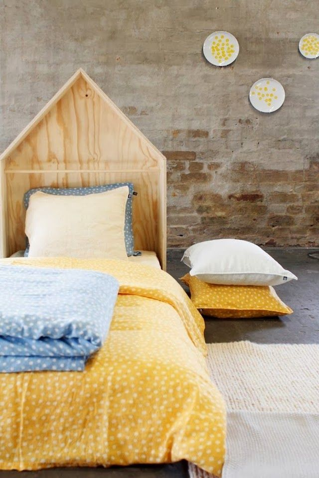 Plywood house bed