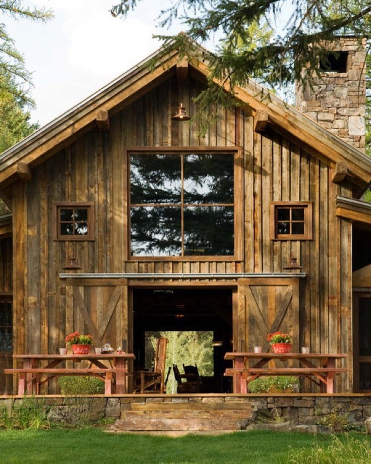 Gorgeous barn with sliding doors and huge windows Barn by ...