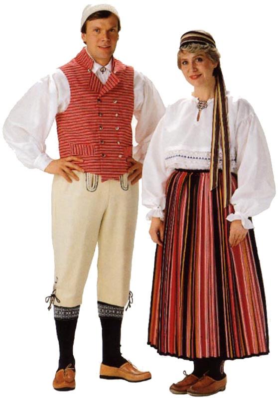 Seiskarin miehen ja  naisen puku. Kuva © Helmi Vuorelma Oy
