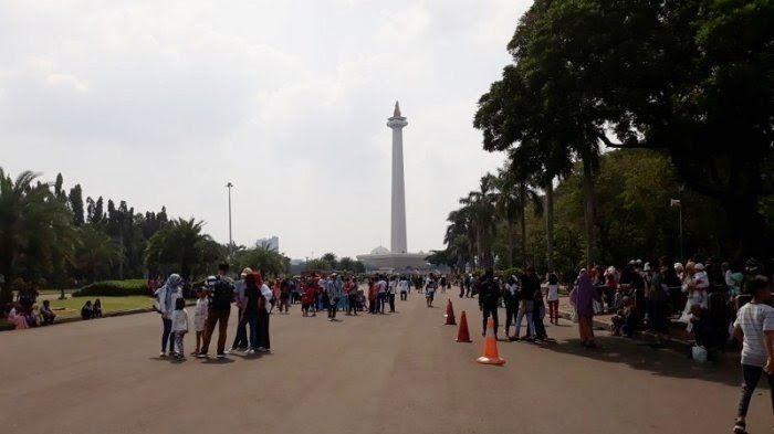 Foto Pemandangan Monas Tempat Wisata Di Jakarta Yang Wajib Dikunjungi Abadi Karya Makmur Komp Bayangan Monas Pemandangan Pemandangan Yang Indah Air Mancur