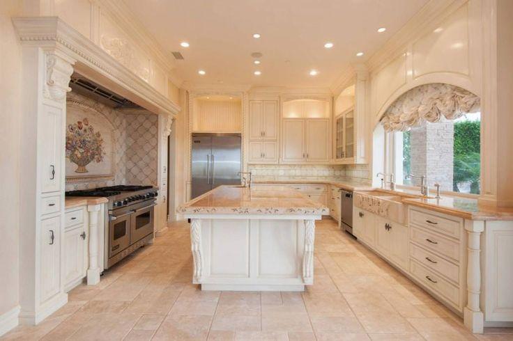 Kobe Bryant's Newport Coast House, 1 Pinnacle Pt Newport Coast, CA 92657 - page: 1 #mansionhomes #dreamhome #mansion