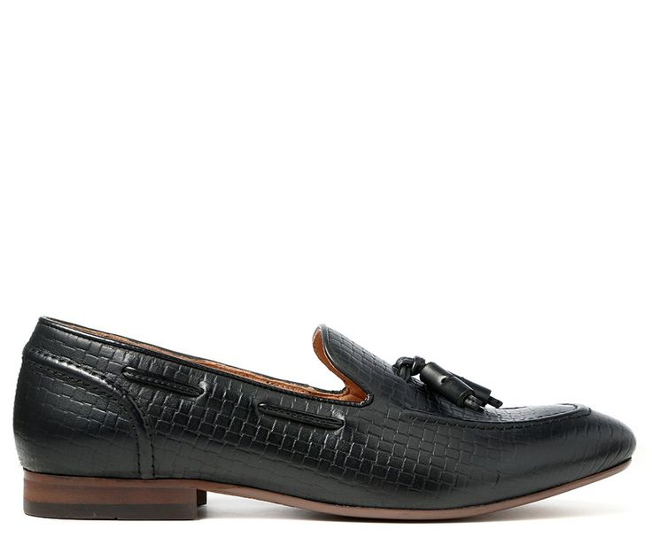 unique & stylish men's shoes for all occasions. Brogues, Chelsea Boots,  Monk & Oxford Shoes – all made with high quality leather & suede.