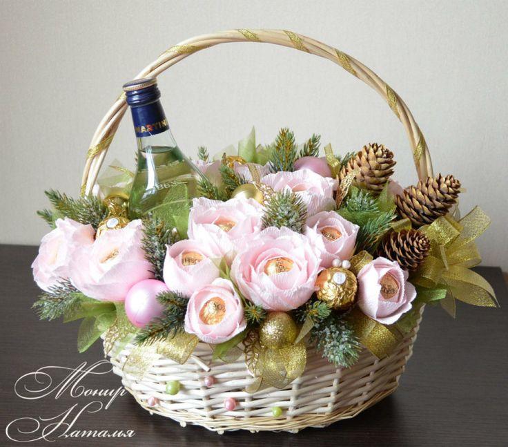 Цветы, новогодние букет из цветов и конфет