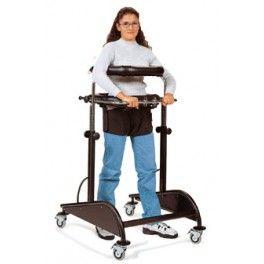 Andador para adultos Dynamico. Deambulador para adultos con 4 ruedas. Chasis ajustable en altura. Comoda braguita ajustable para evitar la caída al usuario. Soporte de pecho y pélvico. Parachoques en la ruedas de serie.