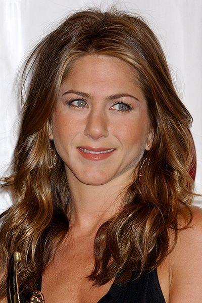 die besten 25 jennifer aniston imitationen ideen auf pinterest jennifer aniston haarfarbe. Black Bedroom Furniture Sets. Home Design Ideas