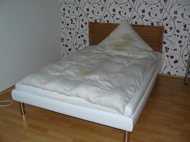 Ein Möbelstück mit Klebefolie bekleben