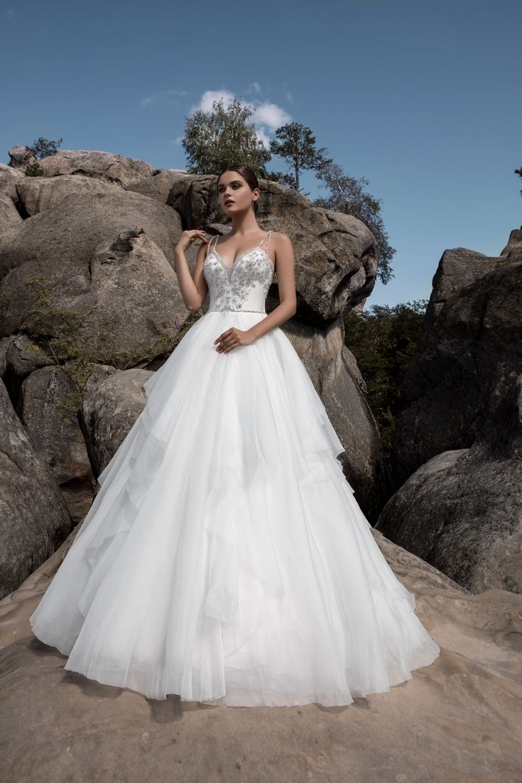 Legendary Wedding Boutique: Enchanted Collection 2017 004a