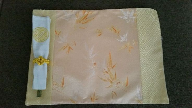 SET OF 4 NEW  ASIAN CHOPSTICKS,PLACE MATS, NAPKINS, WITH NAPKIN RINGS GOLD #Unbranded