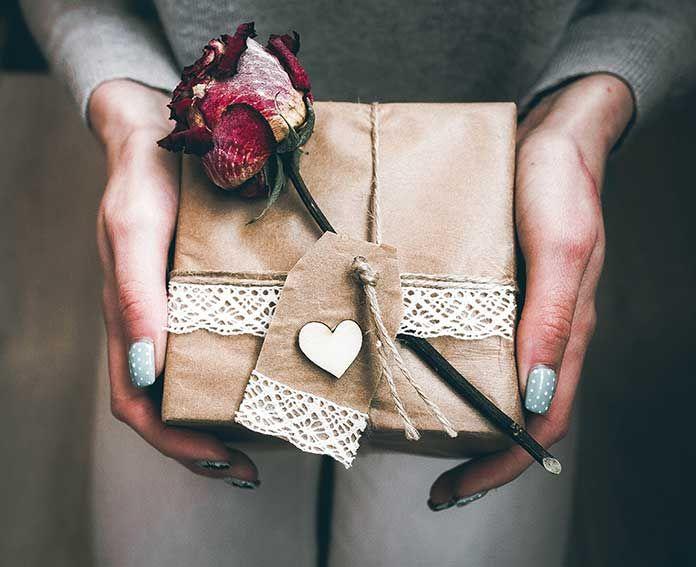 Pomysły na romantyczne prezenty dla mężczyzny