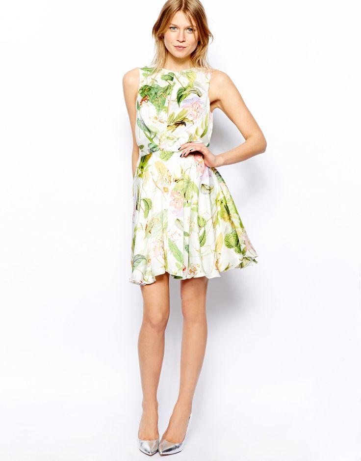 La invitada perfecta: 10 vestidos para una comunión http://cocktaildemariposas.com/2014/04/15/la-invitada-perfecta-10-vestidos-comunion/