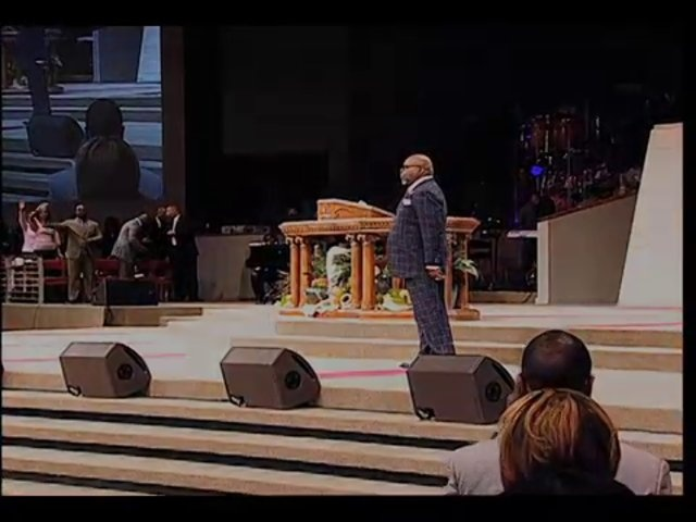 Today in service Bishop Jakes took a moment and prayed for those in the path of the pending storm on the East Coast. tdjakes.org/watchnow
