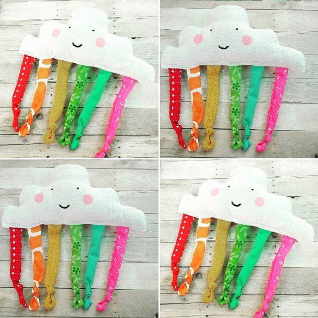 Bella nube sonajero, para que cuando despierte, juegue con los colores!!! #bebes #mamitas #diseñosexclusivos #hechoamano