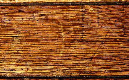 Como limpar pisos de madeira desgastados com manchas de tinta | eHow Brasil