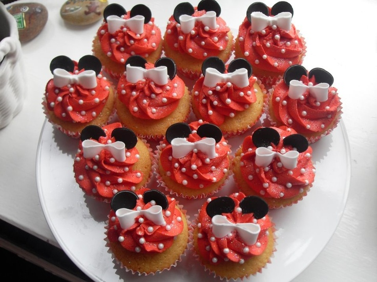Pin Cupcake Lovers Thanksgiving Turkey Should Be Stuffed With Cupcakes ...