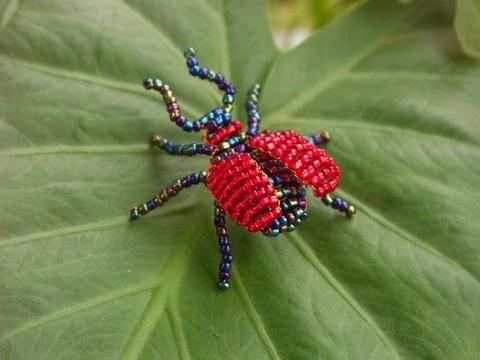 насекомые из бисера мастер класс - Hledat Googlem