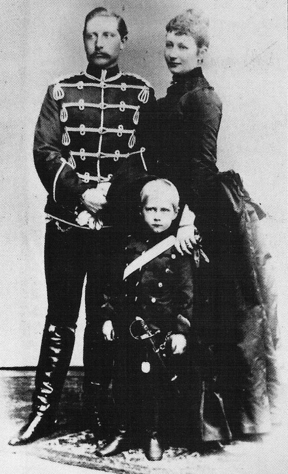Wilhelm and Augusta Viktoria with their eldest son.