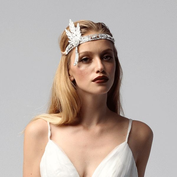 andcompliments.com, &compliments, Royal Wedding, Vintage Hochzeit, Hair and Make Up Ideas, Boho Inspiration, Elegant, Great Gatsby Party, Braut Look, Bride Style, Accessoires in Silber, Headpiece, Haarband