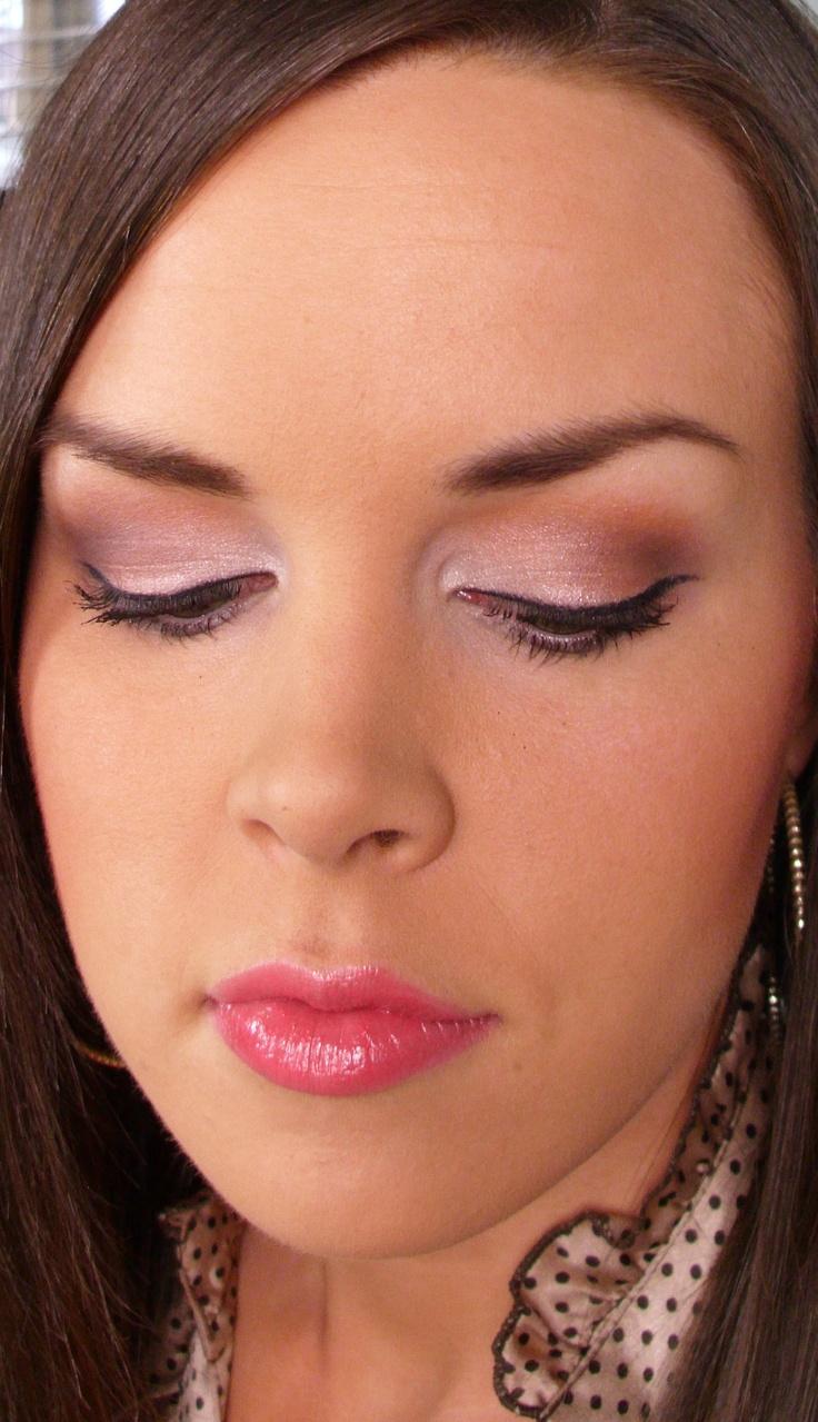 Eye Shadow EXPERTISE!Makeup Fun, Eye Makeup, Pink Eyeshadows, Eyeliner Looks, Wings Eyeliner, Eye Shadows, Eyeliner Makeup, Shadows Expertise, Winged Eyeliner