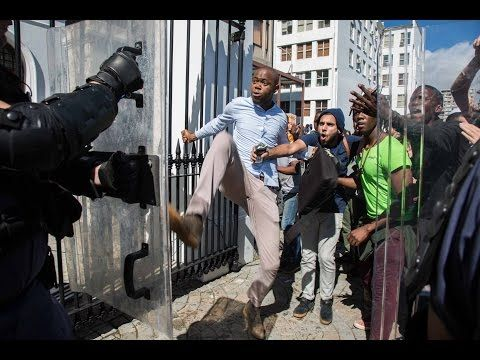 Daily Maverick Chronicle: #FeesMustFall – Violence at the Gates of Parliament | Daily Maverick
