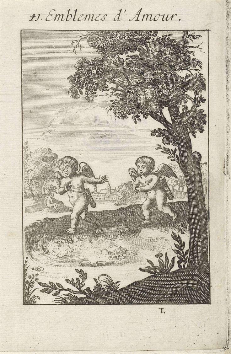 Jan van Vianen | Putto loopt verliefd een andere putto na, Jan van Vianen, 1686 | Een putto met een pijl in zijn borst loopt met gevouwen handen achter een ander putto aan, die een afwijzend gebaar maakt. Zoals geweld een lichaam beschadigt, zo kan de liefde een hart pijn doen. Op de achtergrond een eenzame figuur in een landschap. Eenenveertigste embleem uit Emblemata Amatoria.