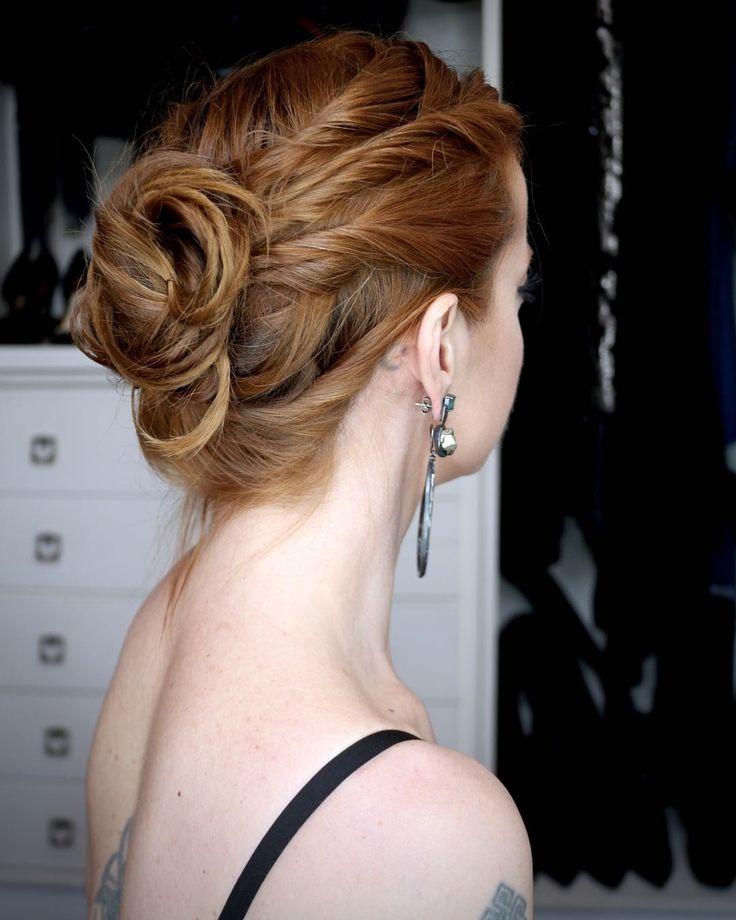 Julia Petit Passo a passo coque com mechas torcidas - cabelo