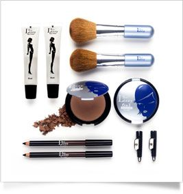 Thin lizzy is a great all year round product to give your skin an instant glow. It is important to choose the right colour to suit your skintone so you avoid that muddy look.  We all hate the muddy look. Need your skin to get an instant glow? Thin Lizzy is a great all year round product for you! #thinlizzy #foundation #makeup #powder #blush #face #skincare #nz #newzealand