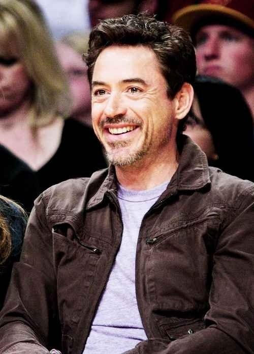 Robert Downey Jr. courtside at a Lakers game.