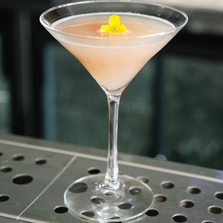 Best 25 champagne drinks ideas only on pinterest for Cocktail litchi