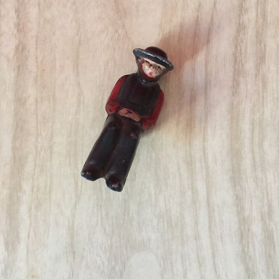 Chippy Cast Iron Amish Man Sitter for Buggy or Wagon