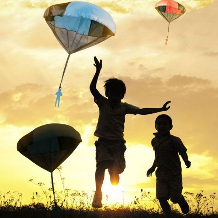 2017 руки бросали детей мини игры парашюты солдатики Спорт на открытом воздухе детские развивающие Игрушечные лошадки детский любимый купить на AliExpress