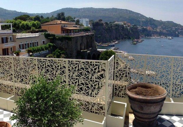 villa_nicolini_sorrento_schermature__laser_cut_terrazza_mare_logical_space_design_01
