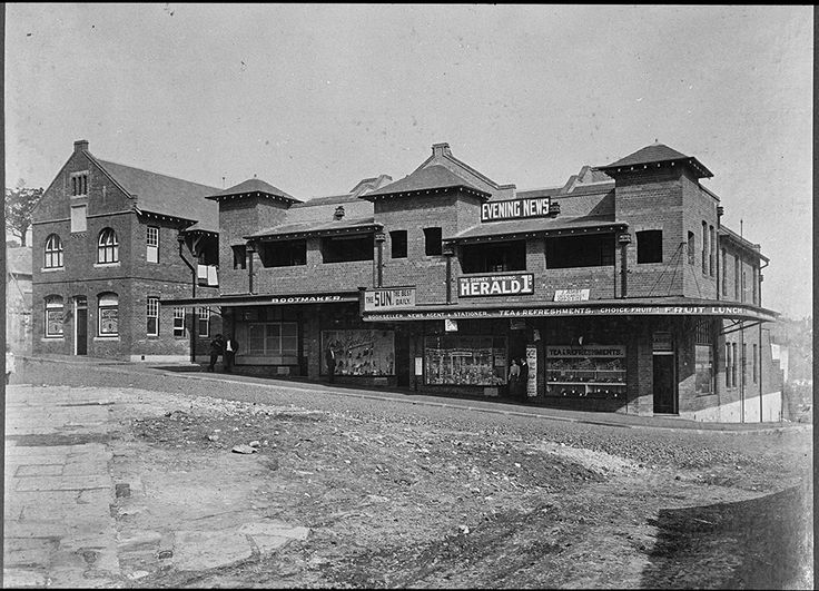 New shops on Argyle Street,The Rocks,Sydney in c1907.A♥W