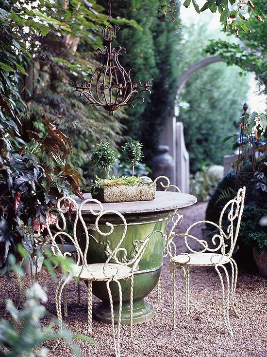 Love this rustic table. More big ideas for small gardens: http://www.bhg.com/gardening/design/styles/small-garden-ideas/