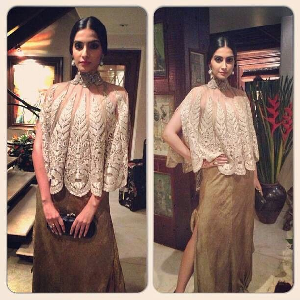 Sonam Kapoor in Anamika Khanna for SRK's Eid bash